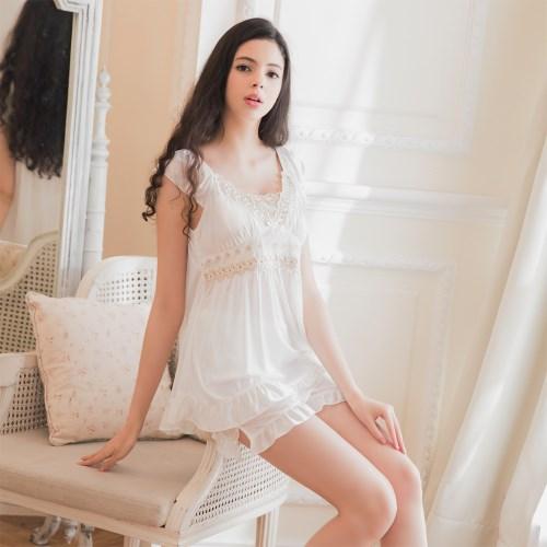 柔緞蕾絲荷葉邊蓋袖二件式睡衣 白 L-2L 大尺碼 Naya Nina