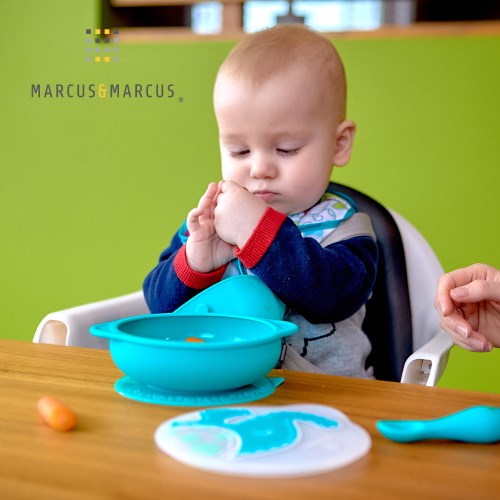 MARCUS&MARCUS 幼兒自主學習吸盤碗含蓋 (多款任選) ★大碗緣口徑設計(寬17cm) 防潑灑碗形設計 標示容量刻度★
